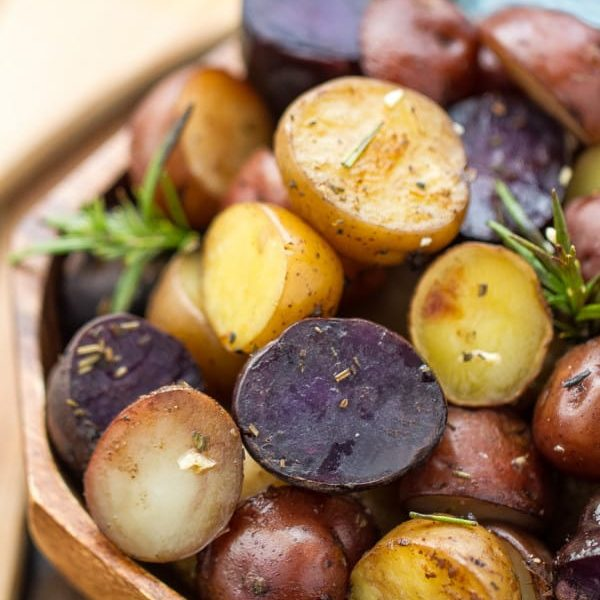 Garlic Rosemary Roasted Fingerling Potatoes (GF, V, Vg)